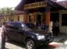 Selly meninggalkan Polsek Denpasar Selatan menuju Bandara Ngurah Rai.