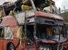 Bus tersebut tampak ringsek. Reuters/Jose Luis Saavedra.
