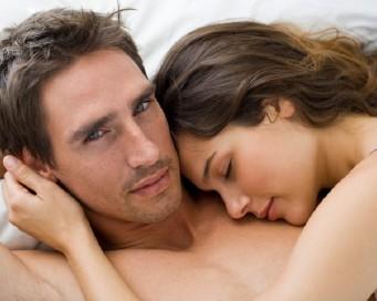 9 Hal yang Diinginkan Pria Saat Bercinta