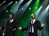 Penuh sesak penonton yang mengakibatkan dorong-dorongan, membuat Kian, Shane, Mark dan Nicky ngambek dan menghentikan konsernya sekitar setengah jam.