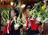 Sepasang kembar mayang tanda sebuah pesta pengantin yang menggambarkan bersatunya dua manusia dalam ikatan perkawinan. (Lucas Aditya).