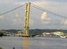 Sedikitnya 100 orang mengalami luka-luka akibat ambruknya jembatan ini. (Sapto Anggoro).