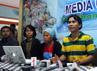 Ada dua orang peserta aksi blokade yang dilaporkan tewas akibat luka tembak dalam bentrokan tersebut, yaitu Arif Rachman dan Syaiful. Rengga Sancaya/detikcom.