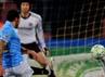 Tapi, tak lama berselang, Napoli bisa membalas lewat gol Lavezzi. Mike Hewitt/Getty Images.