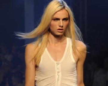 Model Transgender, Andrej Pejic Jadi Bintang Iklan Parfum Pria