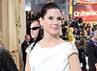 Aktris Sandra Bullock berpose dengan mengenakan dress bernuansa hitam dan putih. Getty Images.