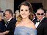 Penelope Cruz sangat anggun dalam balutan dress biru. Getty Images.