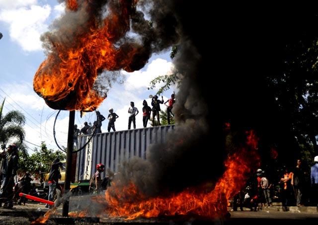 Demo Anti Kenaikan BBM, Makassar Semakin Membara