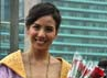 Tya Ariestya tampil menawan di Bundaran Hotel Indonesia.