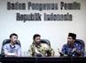 Ray Rangkuti memberikan sambutan dalam penyerahan naskah pakta integritas.