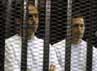 Sementara itu, hakim menggugurkan dakwaan korupsi yang dijeratkan kepada dua putra Mubarak, Alaa dan Gamal. Reuters/Stringer.