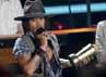Johnny Depp menerima MTV Generation Award. Reuters/Mario Anzuoni.