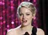 Emma Stone membawa pulang Trailblazer Award. Reuters/Mario Anzuoni.