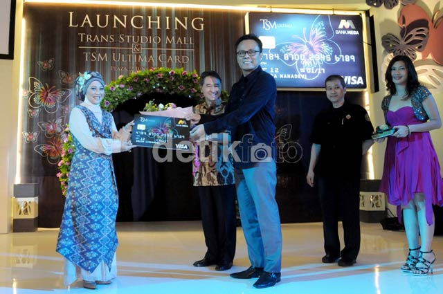 Fashion Show Meriahkan Launching Trans Studio Mal