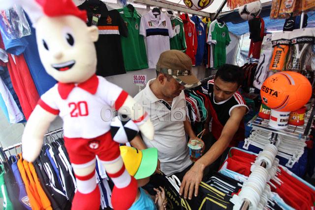 Pernak-pernik EURO 2012 Dicari Pembeli