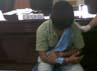 Petugas menggelar barang bukti dan tersangka di kantor Bea Cukai Polonia, Jl. Suwondo Ujung, Medan. Khairul Ikhwan/detikcom.