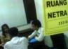 Para peserta berkebutuhan khusus itu ditempatkan di salah satu ruangan khusus di Kampus ITB yang terbagi beberapa sekat, Jalan Ganeca. 5 merupakan tunanetra dan 3 tunarungu. Oris Riswan Budiana/detikBandung.