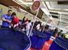 Pengunjung tengah menikmati pameran Super Koi Show 2012 di JCC, Senayan Jakarta.