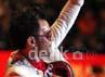 Ia pun menyapa penonton dan memberikan semangat untuk Indonesia.