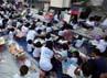 Anak-anak jalanan dan kurang mampu di sekitar Kota Tua, Taman Fatahilah, Jakarta itu sudah hampir mencapai ratusan orang yang ikut bergabung untuk belajar bersama