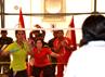 Pemain ganda putri Serda Kowad Ervinda dan Serda Wara Deny. P berusaha menaklukkan lawannya dalam kejuaraan Bulutangkis Inter Kontingen UNIFIL. Dalam kejuaraan ini, Serda Kowad Ervinda dan Serda Wara Deny. P berhasil meraih medali perunggu. (Puspen TNI).