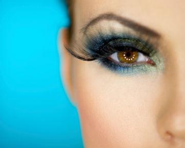 Teknik Make-up Agar Mata Sipit Tampak Lebih Bulat