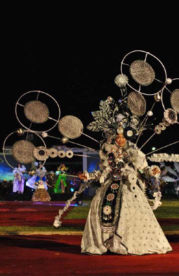 Meriahnya Solo Batik Carnival
