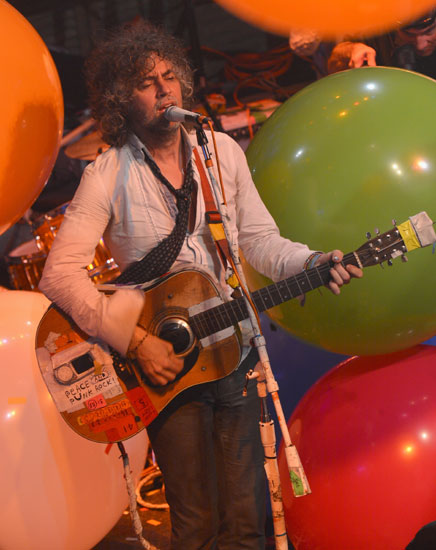 The Flaming Lips Gelar 8 Konser Sehari