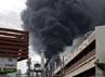 Kilang minyak milik Bangchak Petroleum terletak di kawasan industrial raksasa di pinggiran Bangkok. Sejauh ini belum ada laporan soal korban jiwa maupun korban luka. Reuters/Stringer.