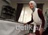 Koleksi ratusan kerudung dan jilbab Rachel Maryam di dalam lemarinya.