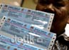Enam hari menjelang pemilihan kepala daerah DKI Jakarta sebagian kelurahan di daerah Jakarta mulai membagikan kartu pemilih untuk warganya.