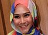 Zaskia mengaku sang suami, Hanung Bramantyo juga sibuk syuting di bulan puasa nanti. Gusmun/detikHot.