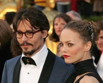 Vanessa Paradis Jauhi Anaknya dari Pacar Baru Johnny Depp