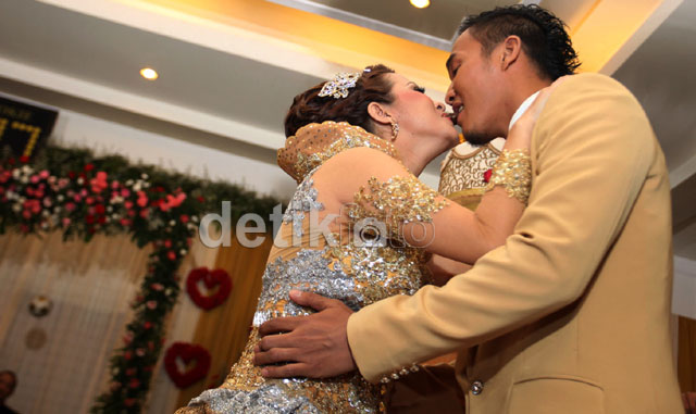 Mengintip Resepsi Pernikahan Okie-Gunawan