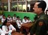 Foke juga berdialog dengan siswa SD.
