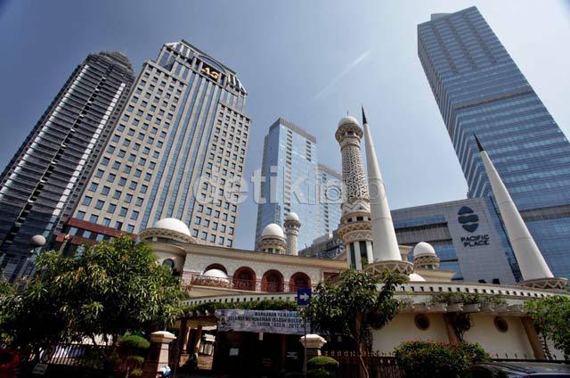 Masjid Ini Tempat Berkumpul Beragam Profesi