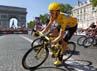 Wiggins memacu sepedanya. Reuters/Charles Platiau.