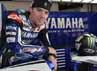Ben Spies berpose dengan motor balam Yamaha. (dok Yamaha)