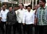 JK dan sejumlah tokoh partai Golkar tiba di kantor DPP Golkar, Slipi, Jakarta Barat.