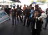 Massa Ampera yang terdiri dari beberapa lembaga mahasiswa se-Makassar menggelar mimbar bebas di perempatan Jalan Urip Sumoharjo-AP Pettarani. (M Nur Abdurahman/detikcom).