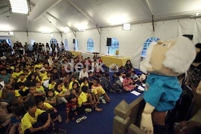 Wakil Dubes AS Buka Bersama Anak Jalanan