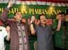 Suryadharma Ali dan Fauzi Bowo bergandengan tangan dalam deklarasi yang digelar di Kantor DPP PPP, Jalan Dipenogoro, Jakarta Pusat, Kamis (2/8/2012).
