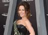 Kate Beckinsale dililit ular. Frazer Harrison/Getty Images.