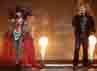 Mulan Jameela dan Ahmad Dhani turut memeriahkan acara konser ulang tahun RCTI pada Rabu (8/8/2012). Pasangan duet itu tampil serasi dengan kostum berbulu yang bernuansa merah-hitam.