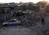 Gempa yang terjadi Sabtu (11/8/2012) berkekekuatan 6,2 SR dan 6,0 SR mengakibatkan rumah warga ambruk. AFP/Mehr News/Hamed Nazar.