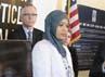 Setelah bekerja selama dua tahun, Boudlal meminta izin memakai jilbab saat bekerja. Boudlal mengatakan, ia menawarkan perusahaan bahwa dirinya memakai jilbab dengan warna yang senada seragam bekerja atau yang memiliki logo Disney. REUTERS/Jason Redmond.
