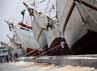 Aktivitas bongkar muat di pelabuhan tersebut sepi karena sejumlah buruh kapal belum balik dari mudik lebaran.