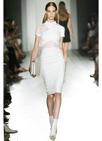 7 Koleksi Busana Terbaru Victoria Beckham di New York Fashion Week 3