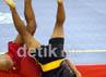 Pertarungan cabang olahraga Wushu Shansao berlangsung seru dan keras.