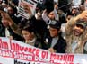Para pendemo mengecam film Innocence of Muslims yang dianggap menghina Nabi Muhammad.